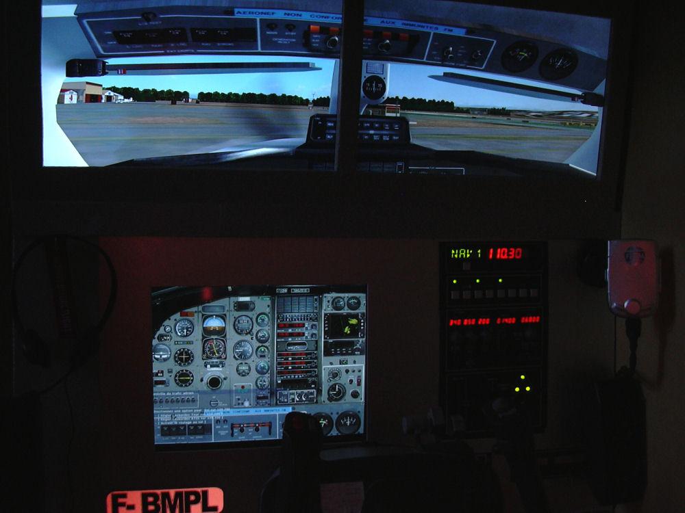 http://www.f-bmpl.com/images/simulateur/cockpit_aout2.jpg